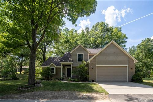 Photo of 8963 SHIAWASSE Drive, Independence Township, MI 48348 (MLS # 2200048117)