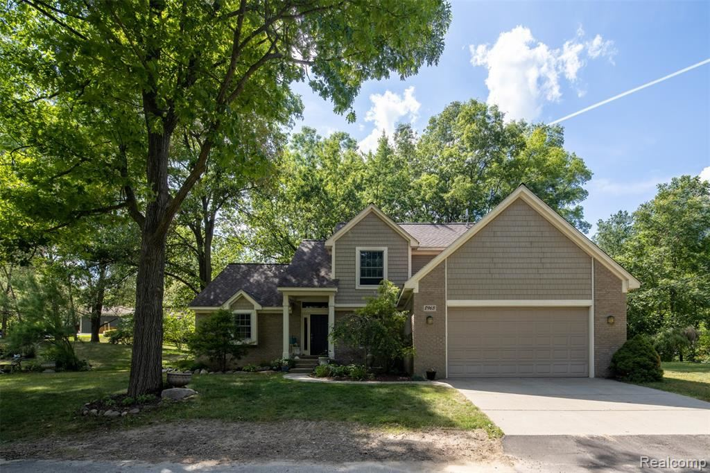 Photo for 8963 SHIAWASSE Drive, Independence Township, MI 48348 (MLS # 2200048117)