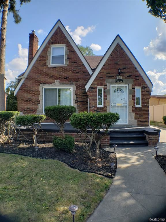 Photo for 5857 W OUTER Drive, Detroit, MI 48235 (MLS # 219083124)