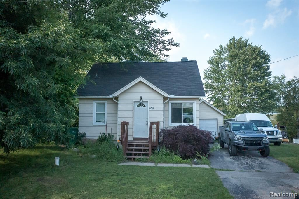 Photo for 7200 CLEMENT Road, Independence Township, MI 48346 (MLS # 2210052126)
