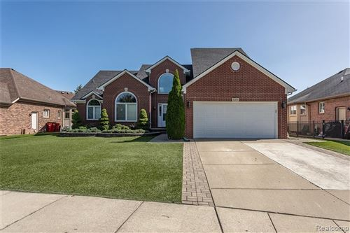 Photo of 51396 FANTASIA Drive, Macomb Township, MI 48042 (MLS # 2200079129)