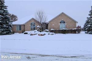 Photo of 2487 HORNBEAM DR, STERLING HEIGHTS, MI 48314 (MLS # 58050000131)
