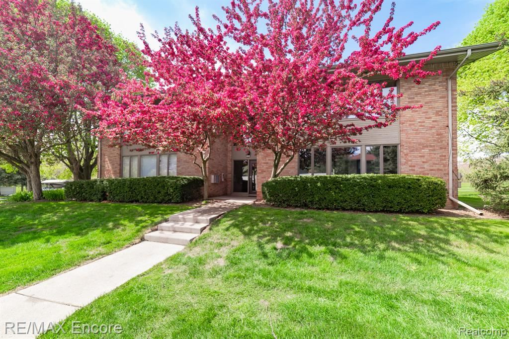 359 CONCORD PLACE #UNIT 2, Bloomfield Township, MI 48304 - #: 2210030132