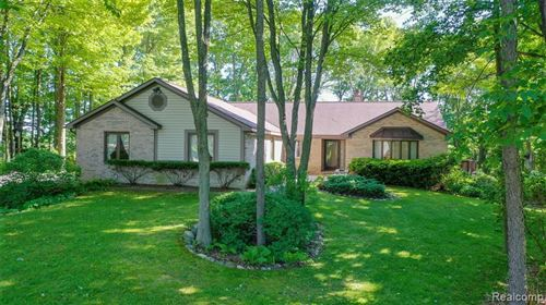 Photo of 6685 SPRINGCREST CT, Springfield Township, MI 48346 (MLS # 2200046136)