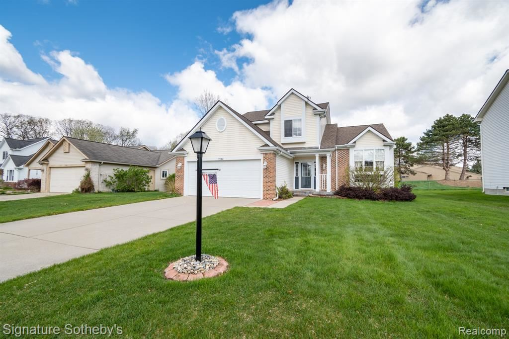 Photo of 7942 ACADEMY Court W, Waterford Township, MI 48329 (MLS # 2210033142)