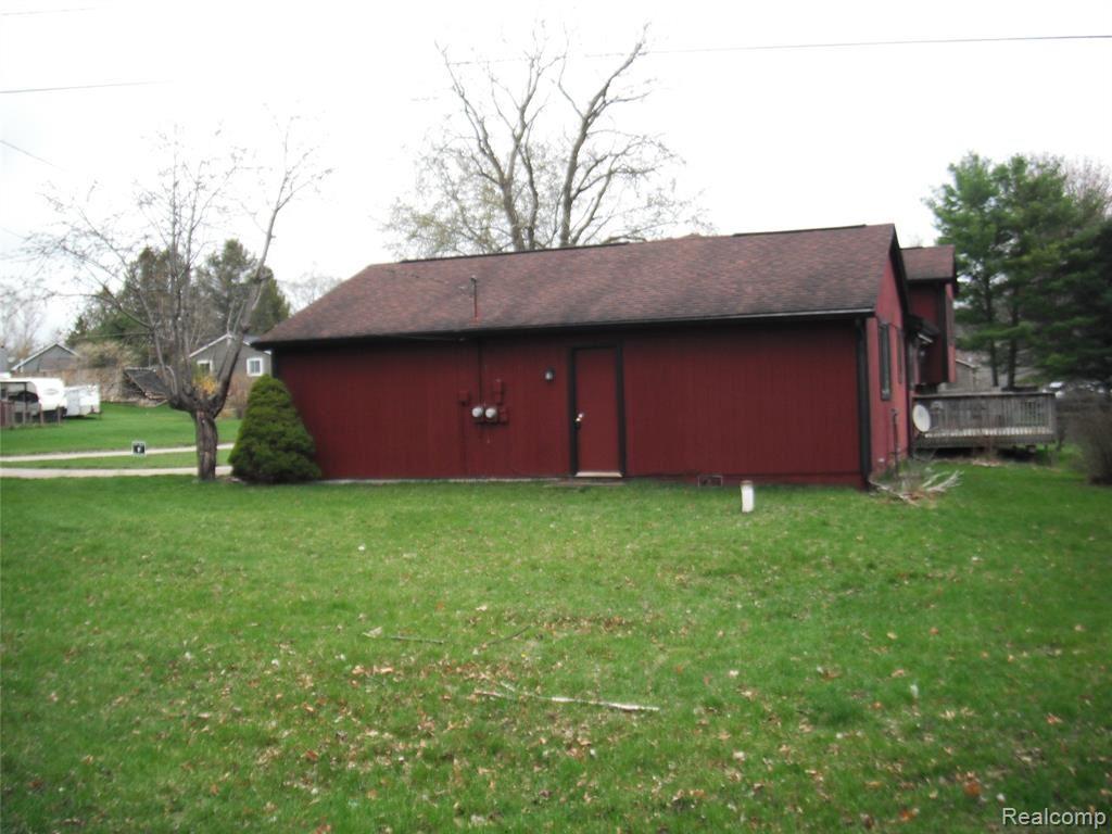 Photo of 2240 SHERLOCK Trail, Highland Township, MI 48356 (MLS # 2210025150)