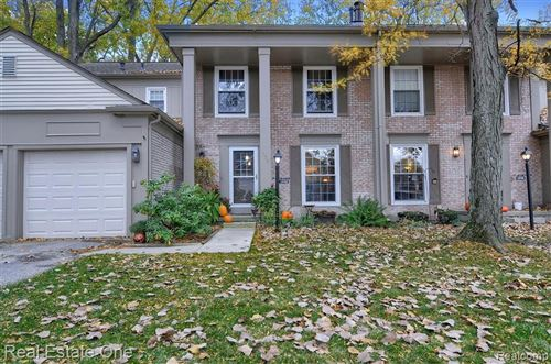 Photo of 1220 Kings Cove Court #245, Rochester Hills, MI 48306 (MLS # 2200085163)