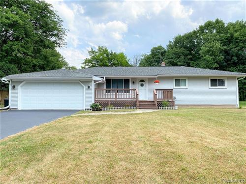 Photo of 9512 CEDARGROVE Road, Independence Township, MI 48348 (MLS # 2200053167)