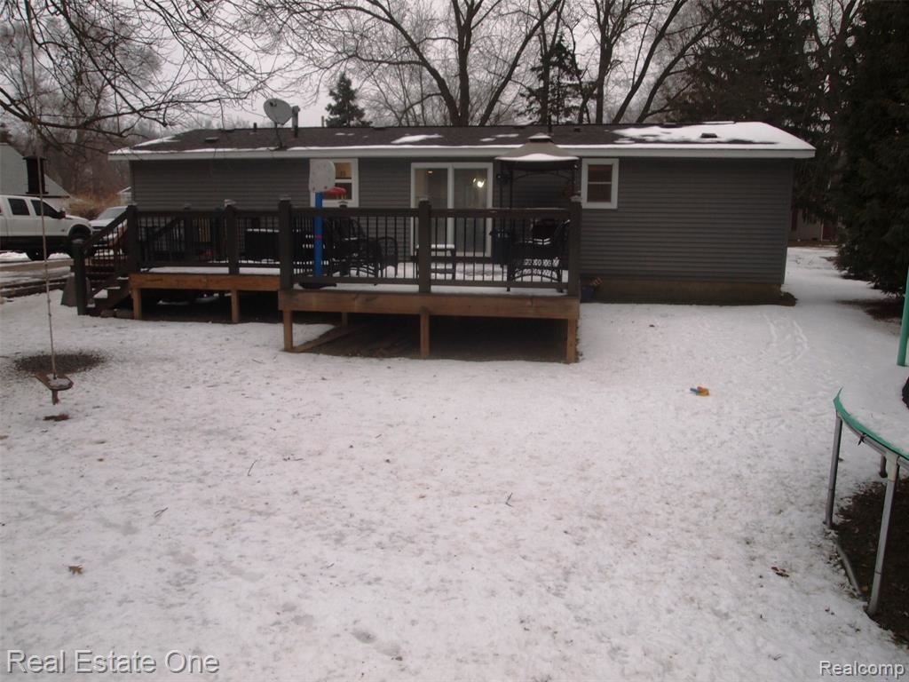Photo of 3271 MAPLE RIDGE Avenue, Highland Township, MI 48356 (MLS # 2210002168)