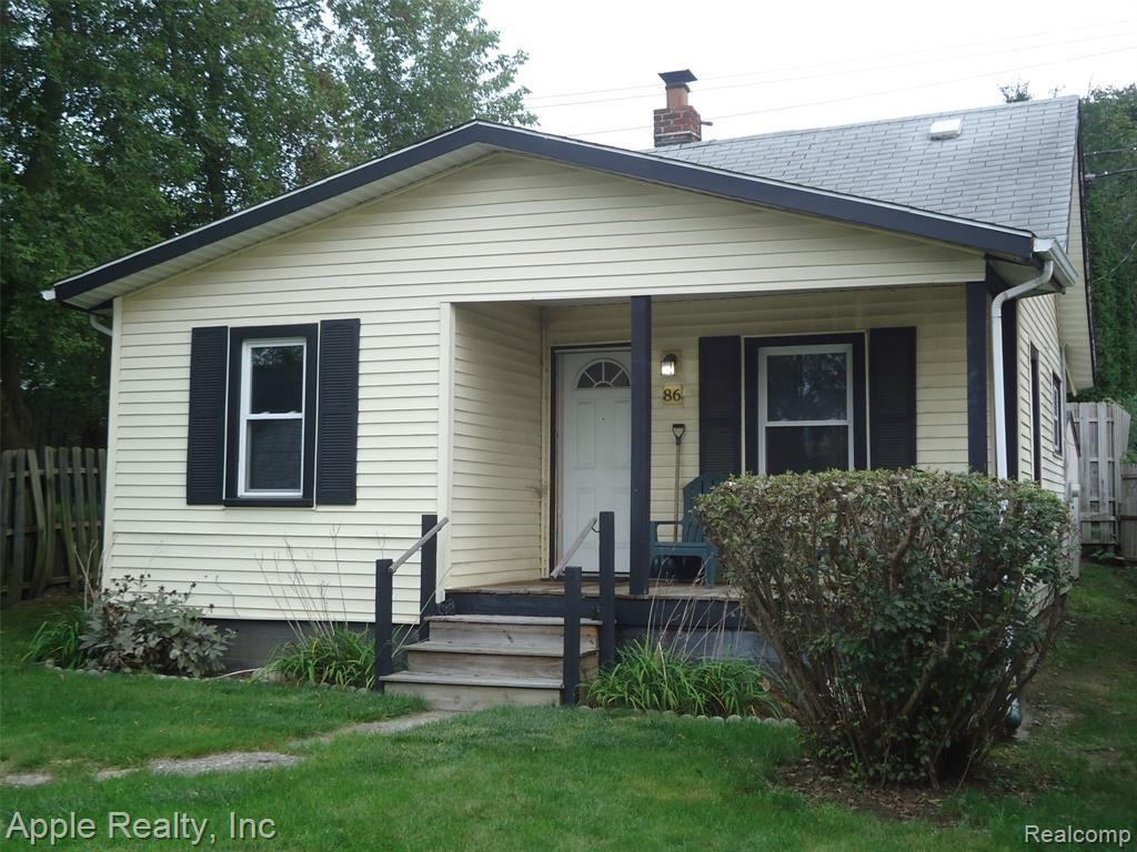 Photo of 86 W Tennyson Avenue, Pontiac, MI 48340 (MLS # 2210087176)