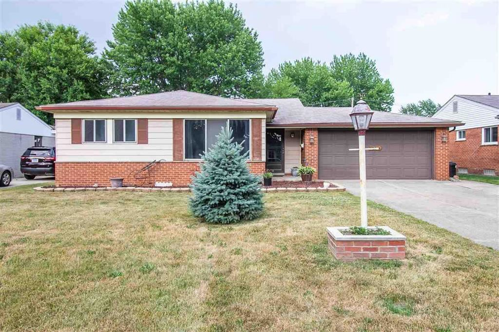 Photo for 38768 MONTEREY, STERLING HEIGHTS, MI 48312 (MLS # 58031397184)