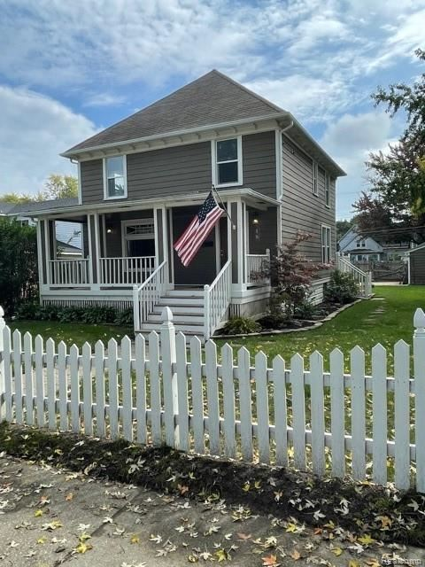 Photo of 18 2ND Street, Mount Clemens, MI 48043 (MLS # 2210075189)