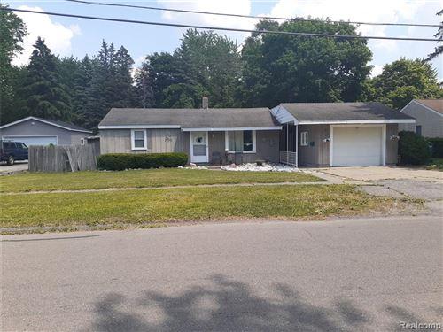 Photo of 504 HARTNER Drive, Holly Village, MI 48442 (MLS # 2200062196)