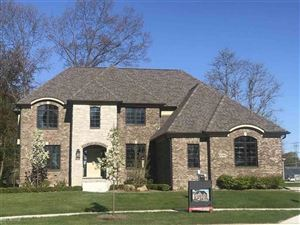 Photo of 52903 FOREST GROVE, SHELBY Township, MI 48316 (MLS # 58031372209)
