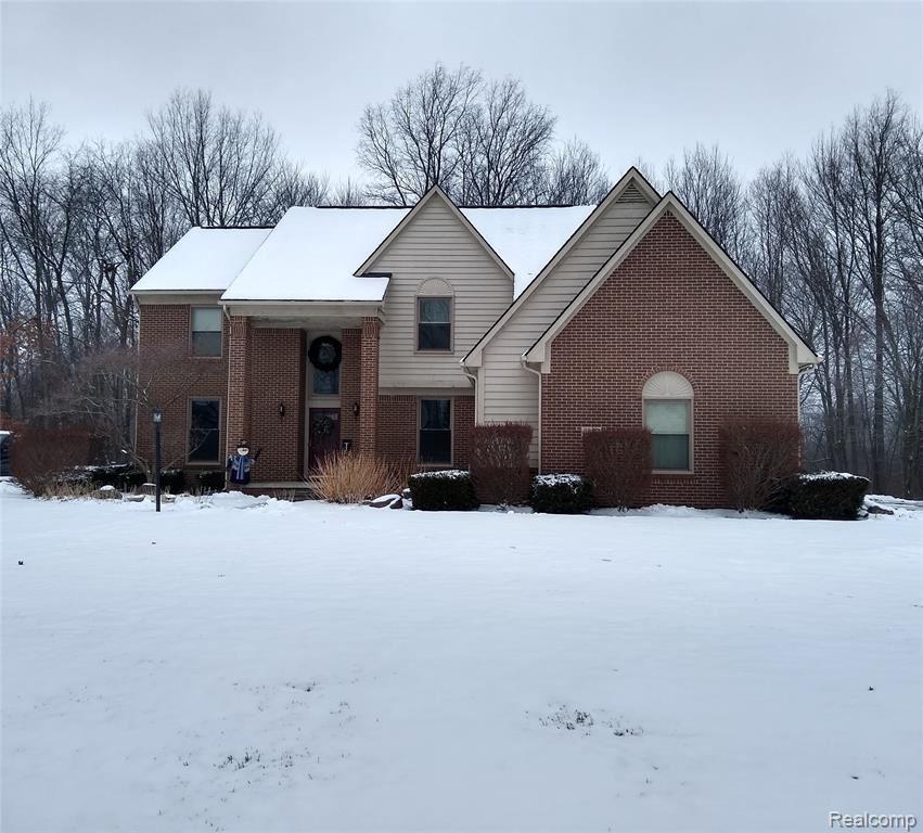 Photo for 6837 Woodcrest Ridge, Independence Township, MI 48346 (MLS # 2200082209)