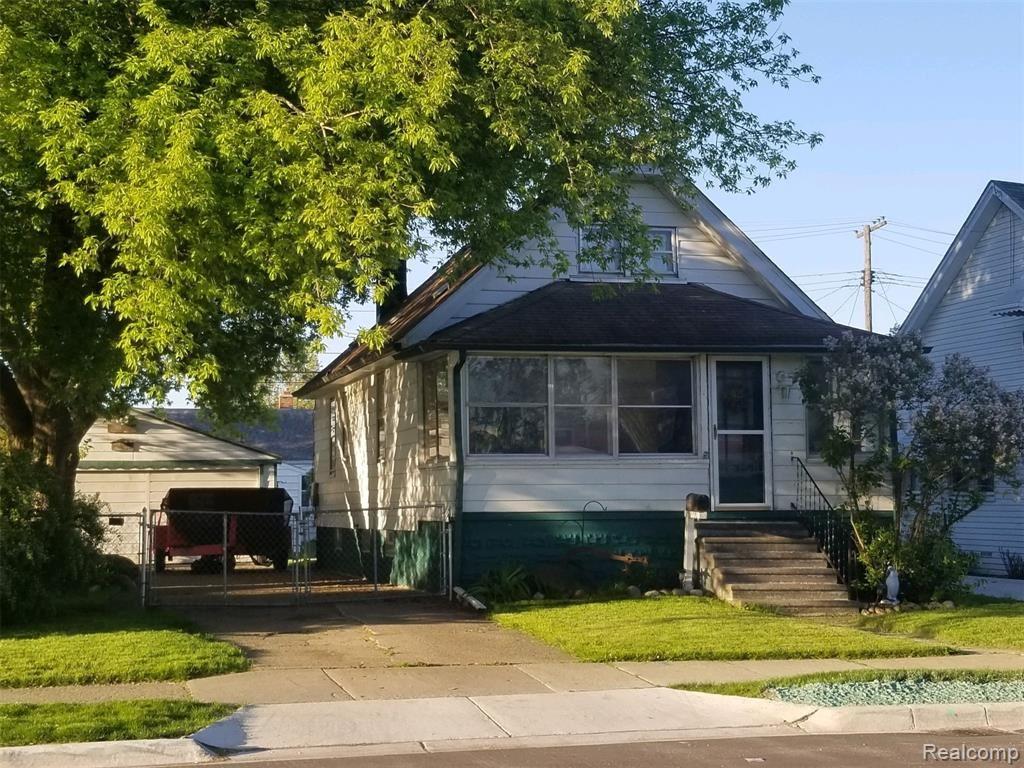 Photo of 17430 MARTIN Road, Roseville, MI 48066 (MLS # 2210039212)