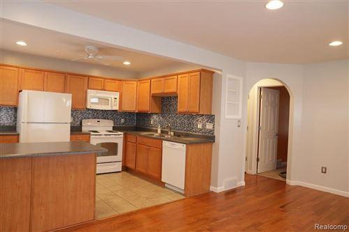 Photo of 1260 E HARWOOD Avenue, Madison Heights, MI 48071 (MLS # 2200062216)