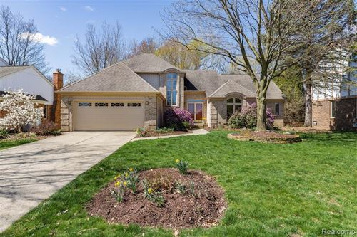 Photo for 1359 Kingspath Drive, Rochester Hills, MI 48306 (MLS # 2200030223)