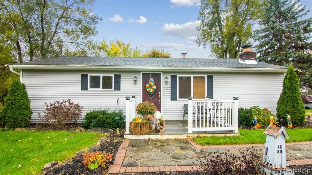 Photo for 5337 SUNNYSIDE Drive, Independence Township, MI 48346 (MLS # 219111223)