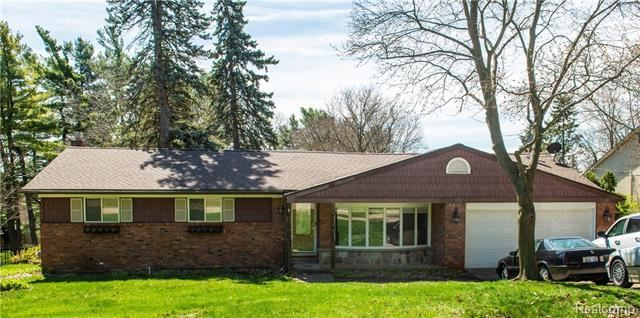 Photo for 6501 Balmoral Terrace, Independence Township, MI 48346 (MLS # 219036228)