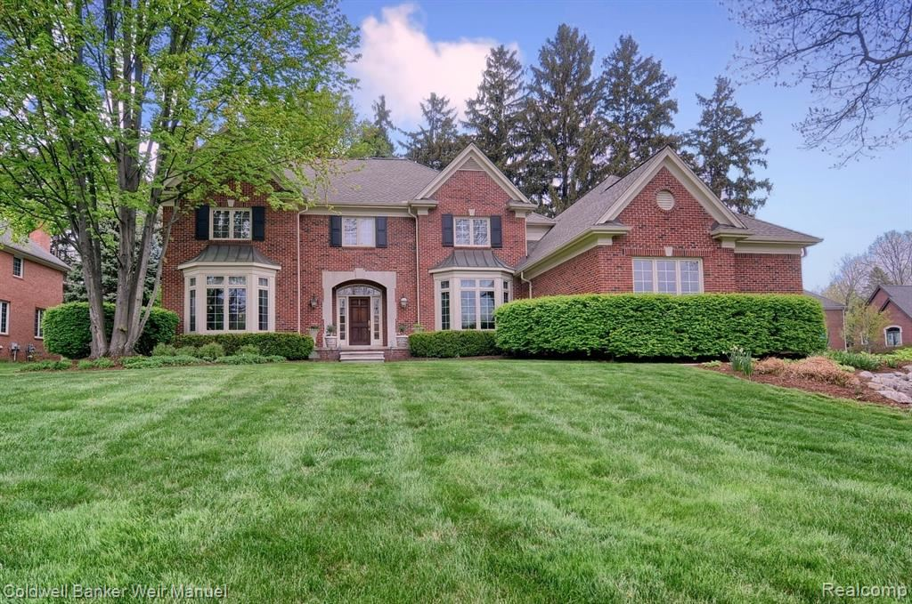 Photo of 4352 SPRUCE HILL Lane, Bloomfield Township, MI 48301 (MLS # 2210033232)