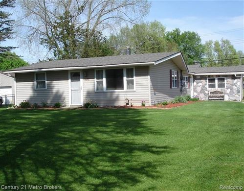 Photo of 5052 MARY SUE Avenue, Independence Township, MI 48346 (MLS # 2200024237)