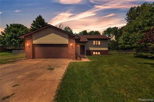 Photo of 4950 ENNISMORE Drive, Independence Township, MI 48346 (MLS # 2200039244)