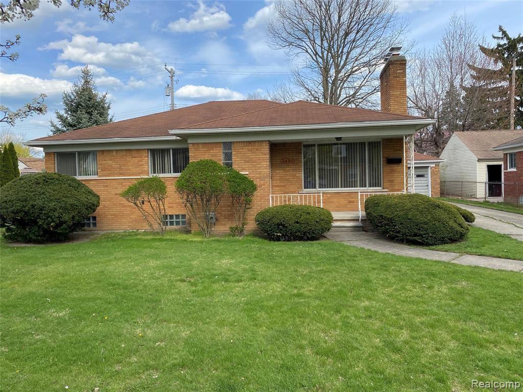 Photo of 1497 BURLINGTON DR Drive, Mount Clemens, MI 48043 (MLS # 2210027251)