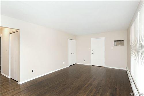 Tiny photo for 3314 GREENFIELD RD APT 7, Royal Oak, MI 48073 (MLS # 2200054255)