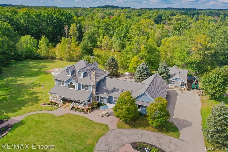 Photo for 10396 ANDERSONVILLE Road, Springfield Township, MI 48350 (MLS # 2210078256)