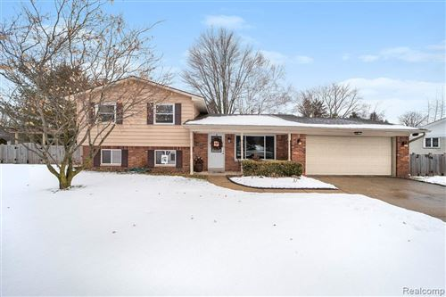 Photo of 7184 HOLCOMB Road, Independence Township, MI 48346 (MLS # 2200013257)