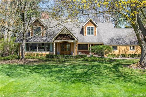 Photo for 4180 VALLEY FORGE Road, Bloomfield Township, MI 48301 (MLS # 2200029259)