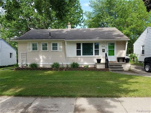 Photo of 15829 Lenore Street, Redford Township, MI 48239 (MLS # 2200040263)