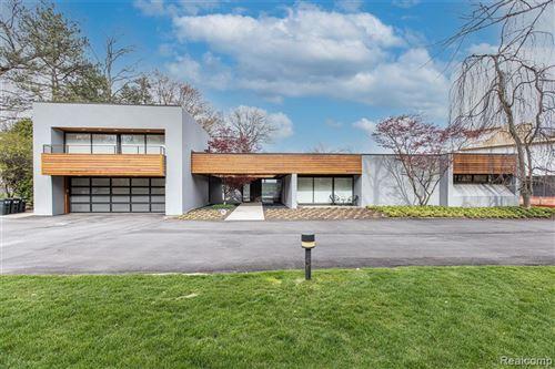Photo for 3897 LAKELAND Lane, Bloomfield Township, MI 48302 (MLS # 2210029264)