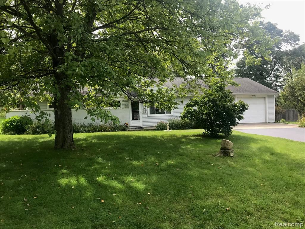 Photo for 6161 ASCENSION Street, Independence Township, MI 48348 (MLS # 2210078271)