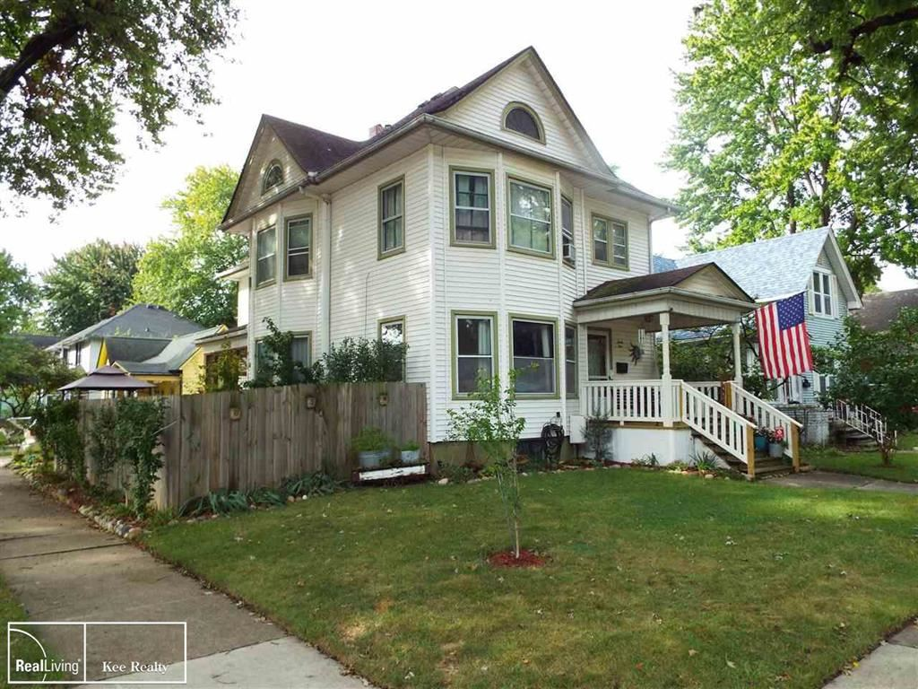Photo of 95 LINCOLN, Mount Clemens, MI 48043 (MLS # 58050055280)
