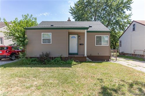 Tiny photo for 941 W FARNUM Avenue, Madison Heights, MI 48071 (MLS # 219118281)