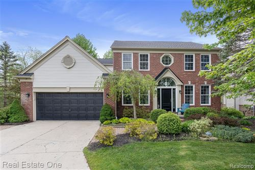 Photo of 4370 Clear Creek Court, Oakland Township, MI 48306 (MLS # 2210037291)