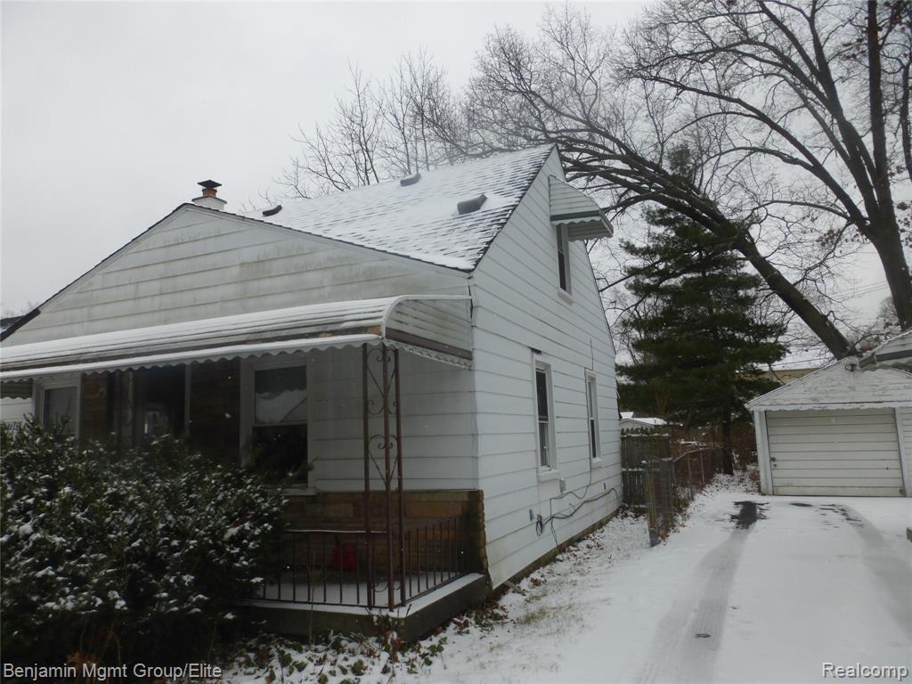 Photo of 27045 SHIAWASSEE Road, Southfield, MI 48033 (MLS # 2210000291)