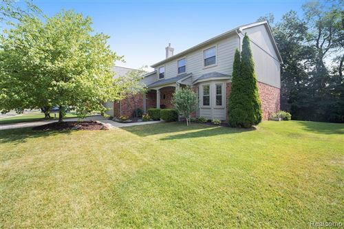 Photo of 6742 BERWICK Drive, Independence Township, MI 48346 (MLS # 2200051306)