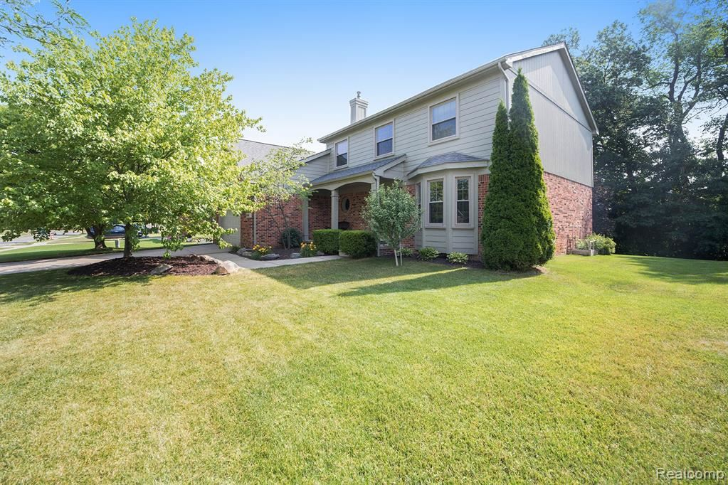 Photo for 6742 BERWICK Drive, Independence Township, MI 48346 (MLS # 2200051306)