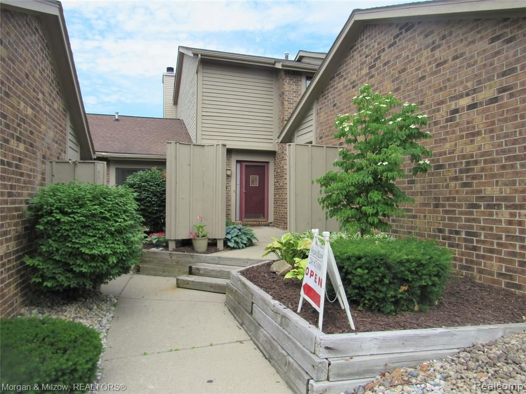 Photo for 5742 Woodland View #5, Independence Township, MI 48346 (MLS # 2200008319)