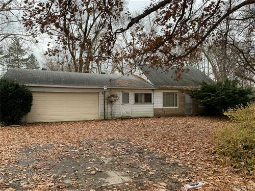 Photo of 8555 CROSBY LAKE Road, Springfield Township, MI 48346 (MLS # 219119321)