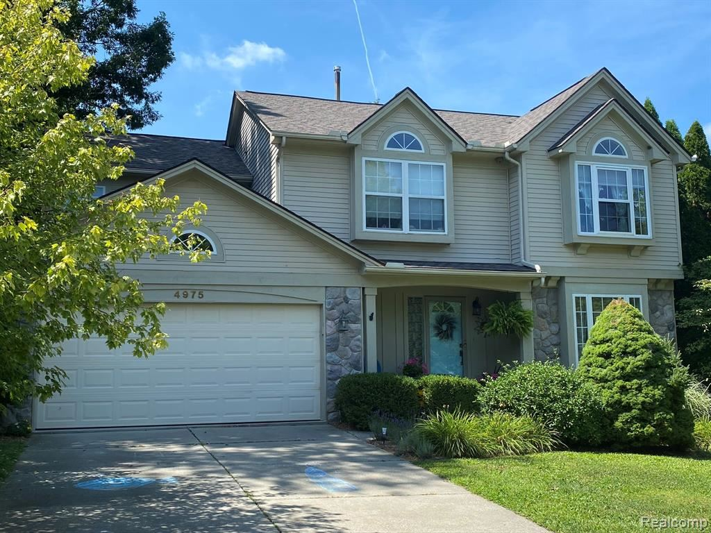 4975 GREENVIEW Drive, Commerce, MI 48382 - MLS#: 2200064344