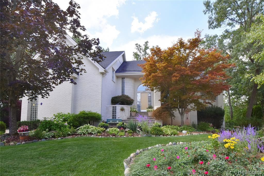 5753 ROYAL WOOD, West Bloomfield, MI 48322 - #: 2200030357