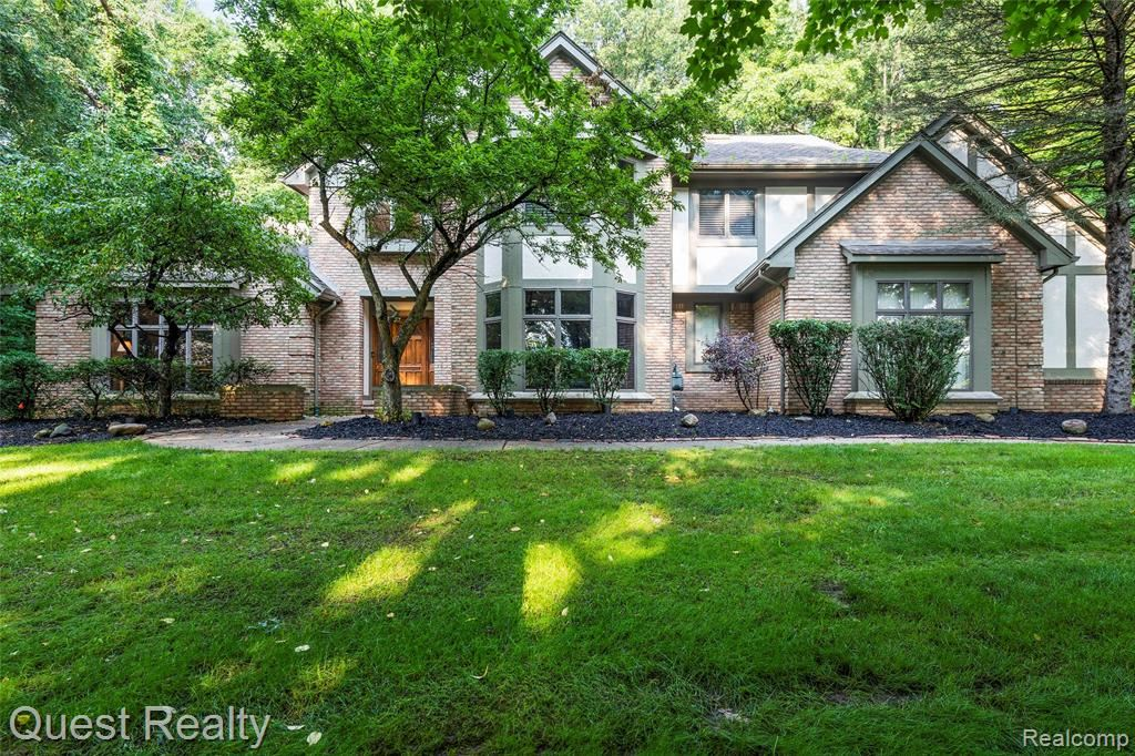 Photo for 8065 WOODVIEW Road, Independence Township, MI 48348 (MLS # 2210059360)