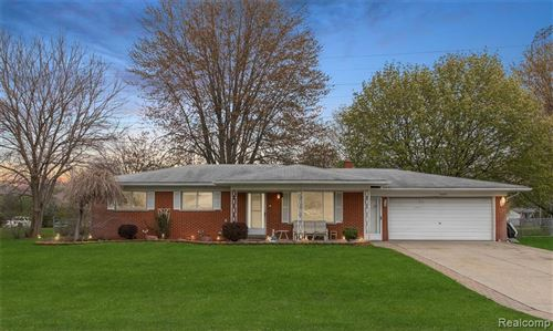 Photo of 50816 LINDA Lane, Shelby Township, MI 48317 (MLS # 2200033368)