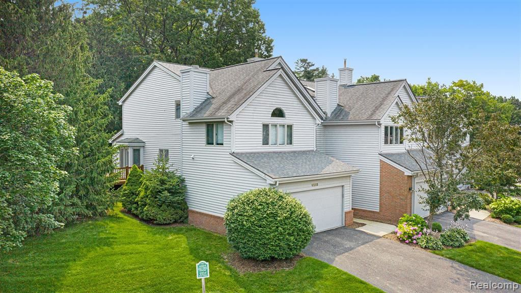 Photo for 6589 Scenic Pines Court, Independence Township, MI 48346 (MLS # 2210058370)