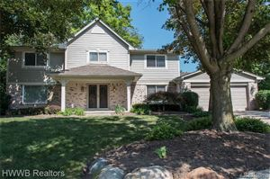 Photo of 327 LONGFORD Drive, Rochester Hills, MI 48309 (MLS # 219070374)