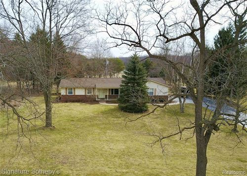 Photo of 9330 ALLEN Road, Independence Township, MI 48348 (MLS # 2200013376)
